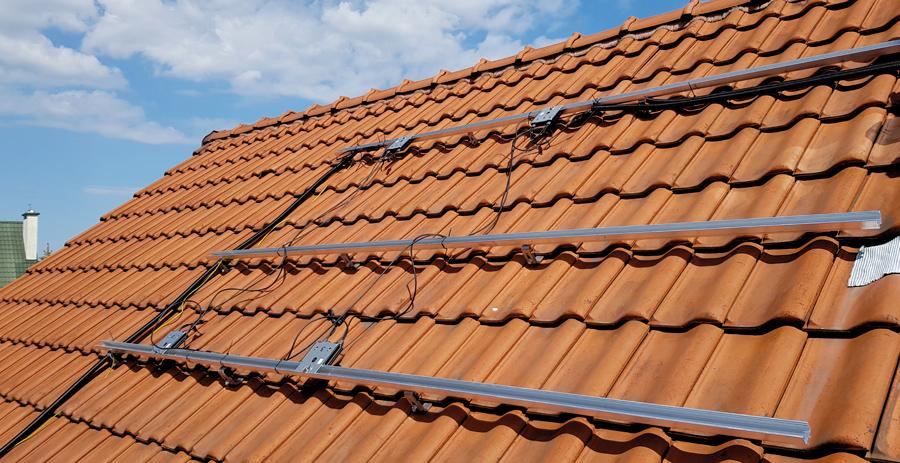 konstrukcja fotowoltaiczna pod moduły na dachu