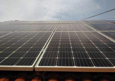 fotowoltaiczne panele na dachu