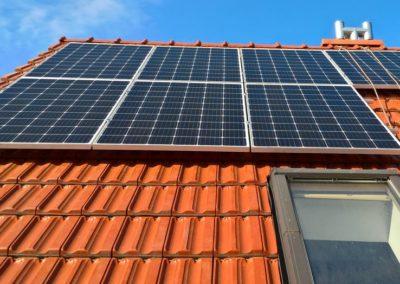 pierwsze panele na dachu
