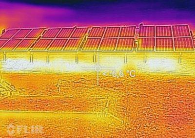 termowizyjny obraz instalacji fotowoltaicznej naziemnej