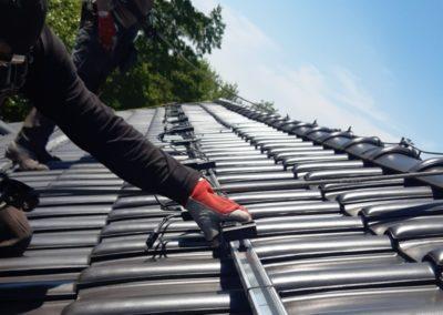 Optymalizatory mocy SolarEdge na konstrukcji panele fotowoltaicznej