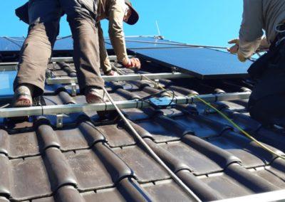 Układanie paneli z optymalizacją na dachu