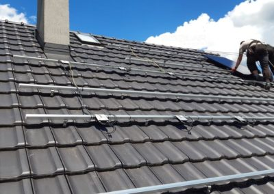 Montaz konstrukcji dachowej pod panele fotowoltaiczne