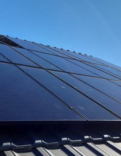 panele fotowoltaiczne Q.Cells na dachu Bisolar